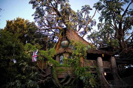 Tarzan's Treehouse - Image Credit: https://www.flickr.com/photos/harshlight/7405858960